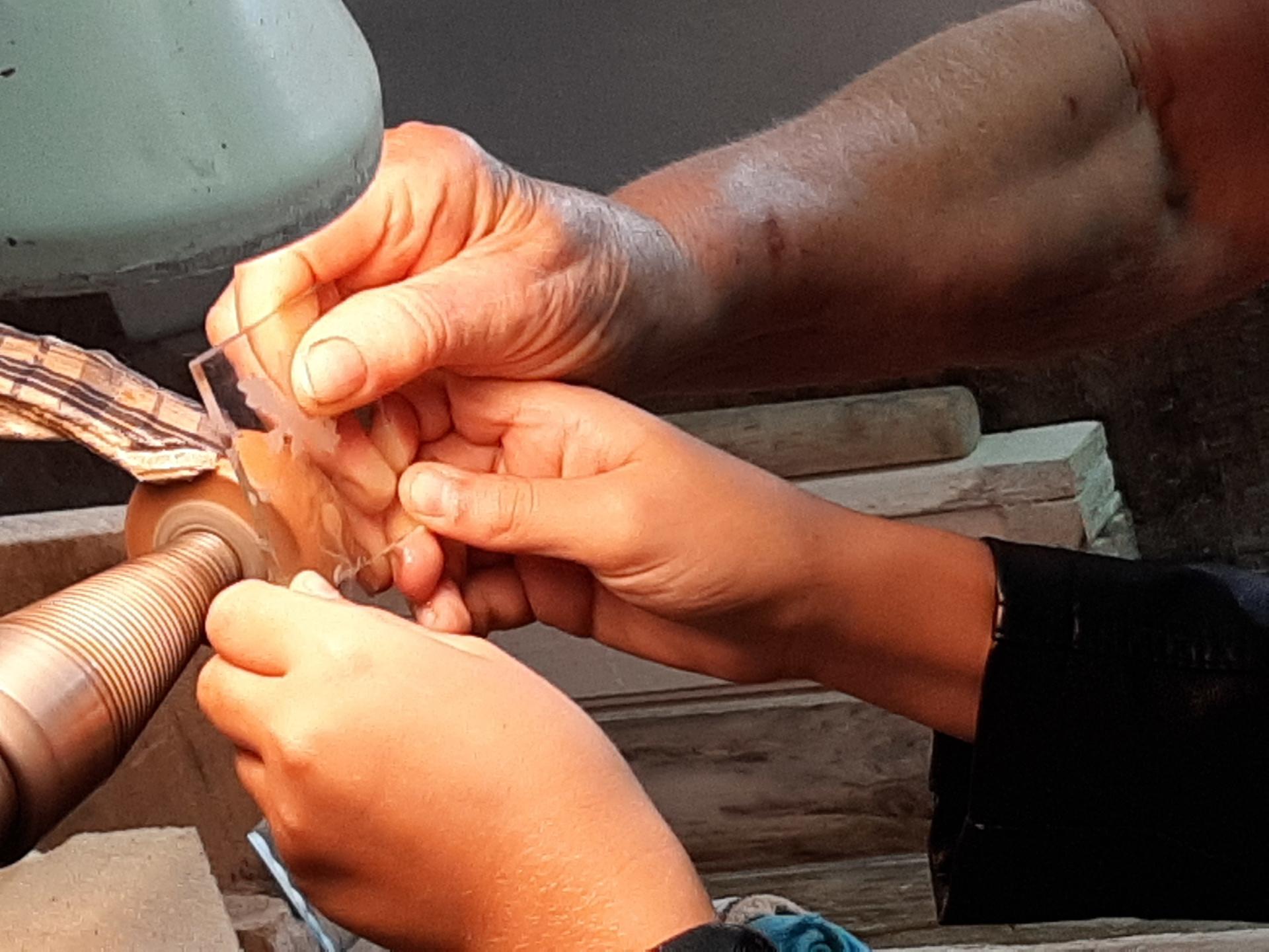 kézműves, üveg, csiszolás